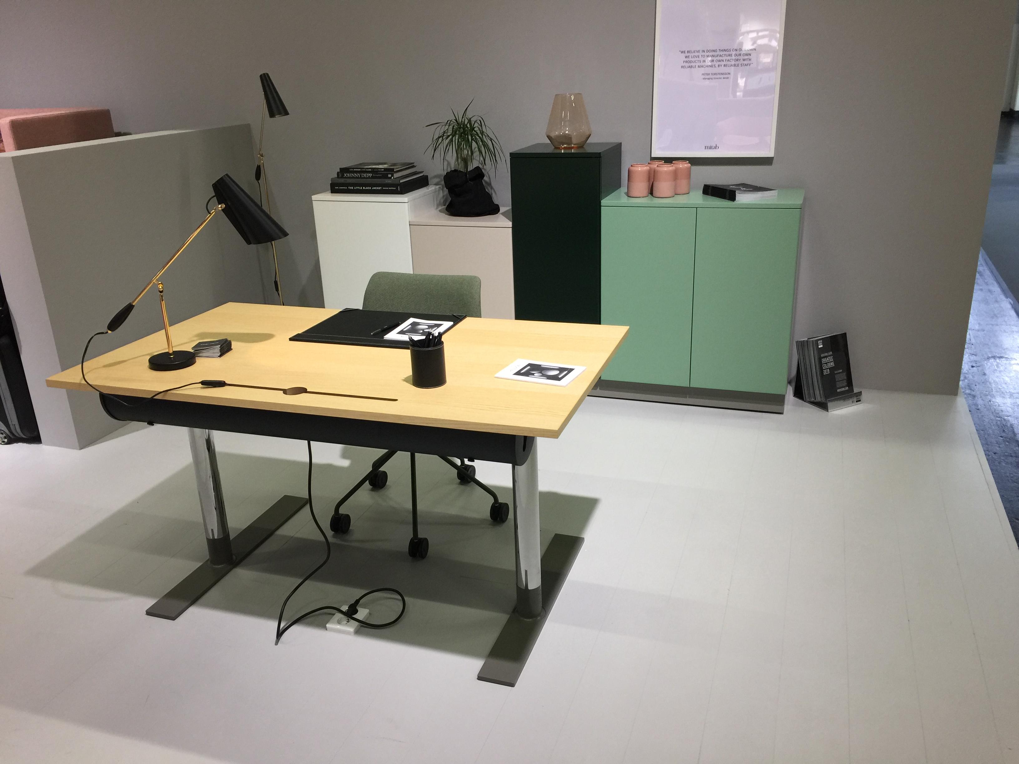 Mitab unit zit sta bureau project meubilair zit sta bureau for Bureau zit sta