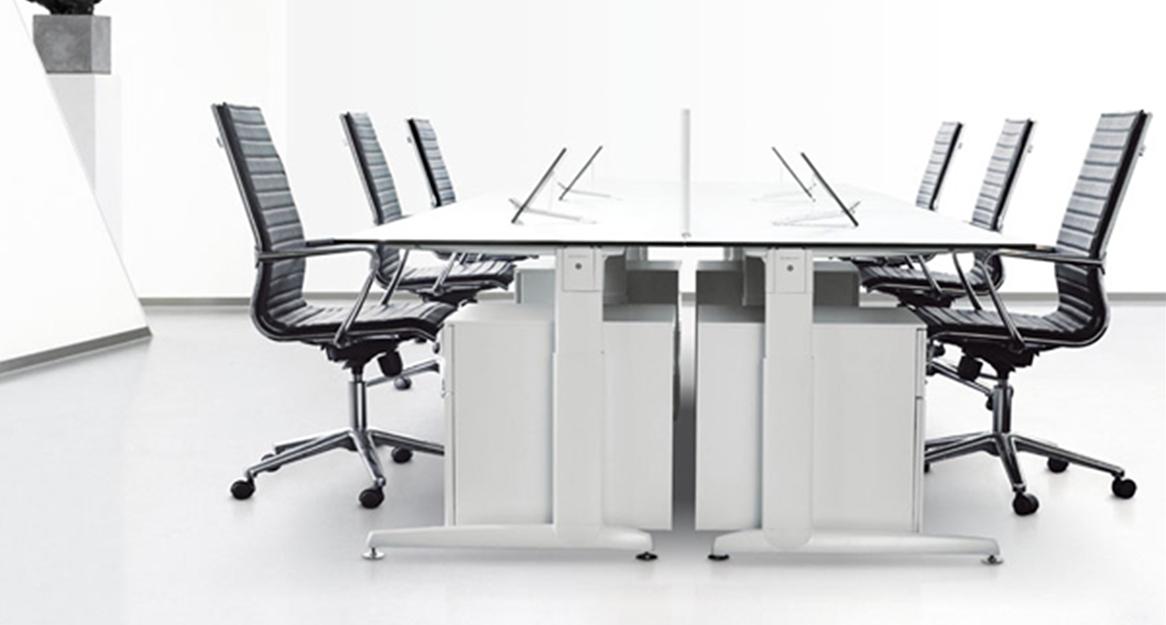 Markant Delta zit-sta bureau